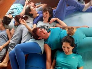 Yoga della Risata con Centro Olos